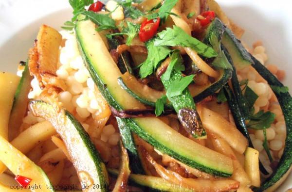 Fregola-mit-Zucchini-tiposarda
